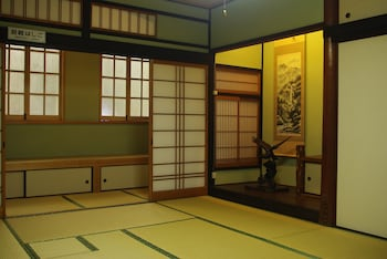 HTS Guesthouse Onomichi - Hostel - Featured Image  - #0