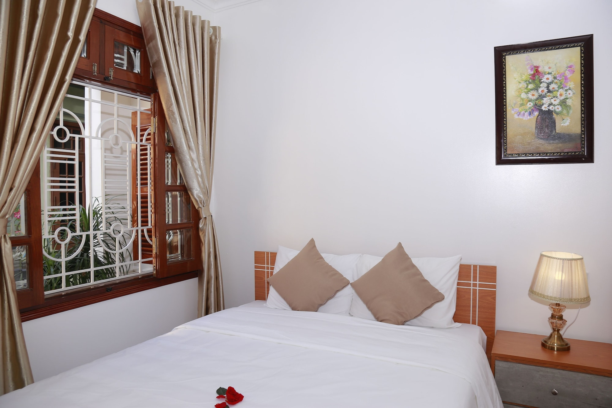Moon & Sun Hotel, Huế