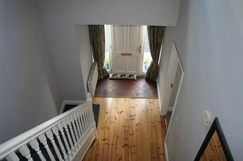 Lios Mór - 5 bed self catering house,