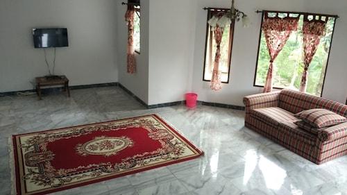 Villa Sabrina Bumi Ciherang, Cianjur