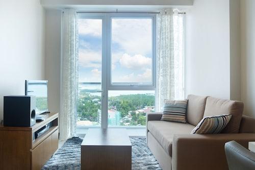 8 Newtown Blvd Apartments, Lapu-Lapu City