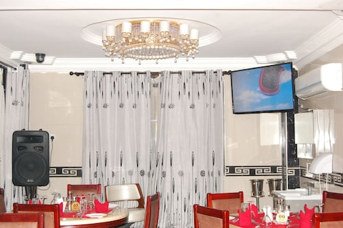 Nemax Royal Hotel, Kinondoni