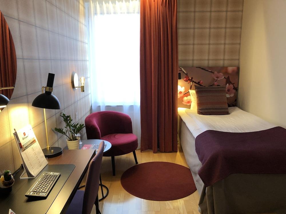 https://i.travelapi.com/hotels/18000000/17130000/17122500/17122470/66bdb078_z.jpg