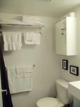 Boutique Harbourfront Condos - Bathroom  - #0