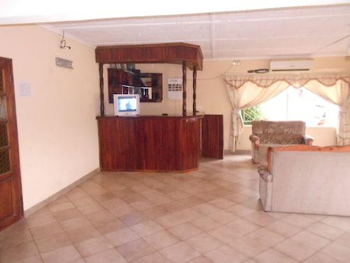 Naluzip Guest House, Livingstone