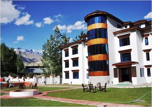 The Highland Mountain Resort & Spa, Kargil