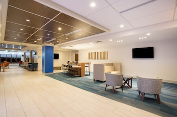 Lobby at Holiday Inn Express & Suites Owings Mills-Baltimore Area in Reisterstown