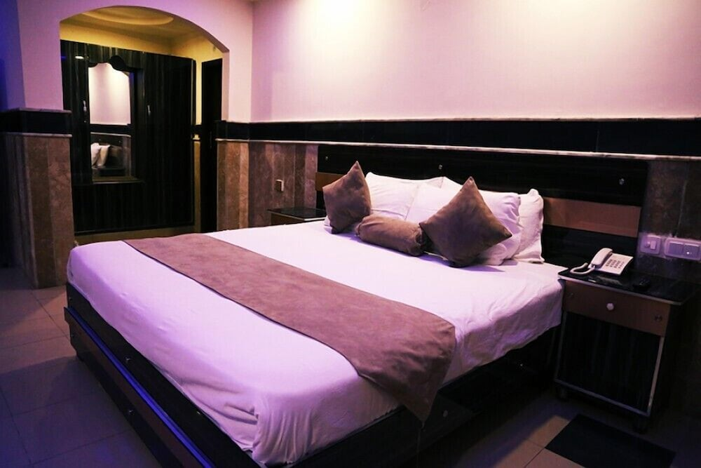 Hotel Marco Polo Lahore, Lahore