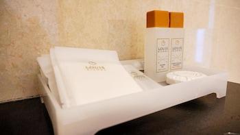 Louis Kienne Hotel Pandanaran - Bathroom  - #0