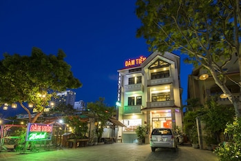 Dam Tien Hotel - Hotel Front - Evening/Night  - #0