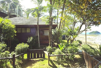 DOUBLEGEM BEACH RESORT AND HOTEL Property Grounds