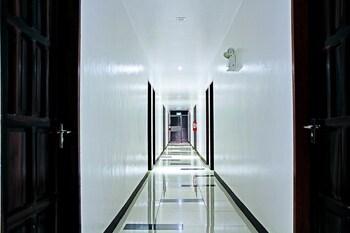 DOUBLEGEM BEACH RESORT AND HOTEL Hallway
