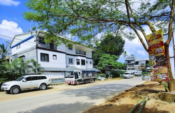 DOUBLEGEM BEACH RESORT AND HOTEL Front of Property