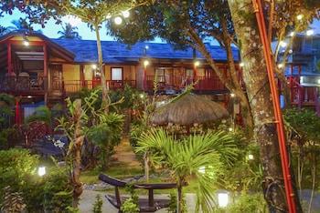 DOUBLEGEM BEACH RESORT AND HOTEL Courtyard