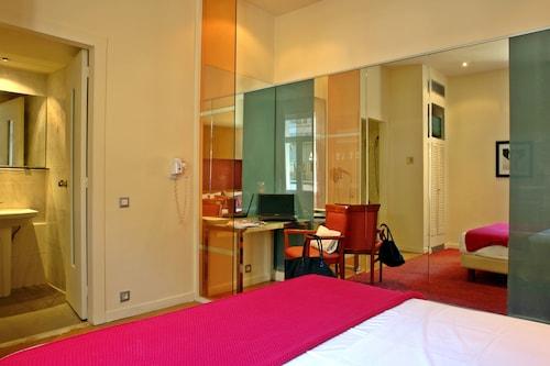 Semeli Hotel, Attica