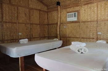CASHEW GROVE BEACH RESORT Treatment Room