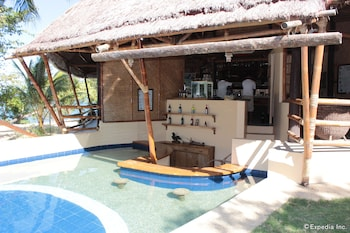 CASHEW GROVE BEACH RESORT Poolside Bar