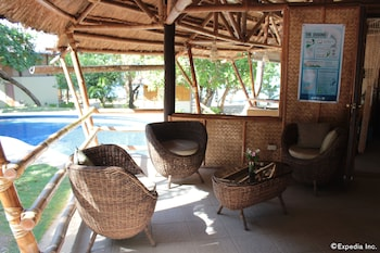 CASHEW GROVE BEACH RESORT Lobby Sitting Area