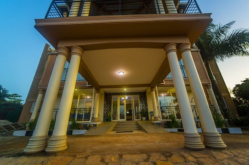Hotel Royal Nest, Entebbe