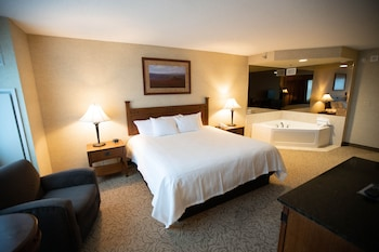 Premium Room, 1 King Bed, Smoking, Jetted Tub