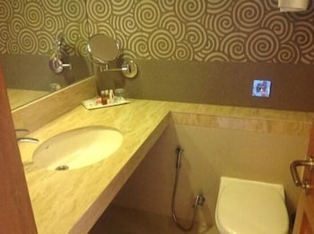 Sai Palace Inn - Bathroom  - #0