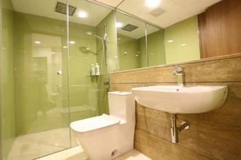 Vortex Suite KLCC @ Penguin Homes - Bathroom  - #0