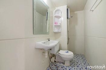 Popular Condominium By Favstay - Bathroom  - #0