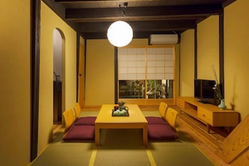 KUMASHUAN Living Room