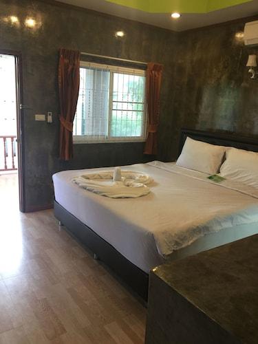 The White Elephant Resort, K. Ko Chang