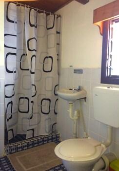 Raiders Hotel - Bathroom  - #0