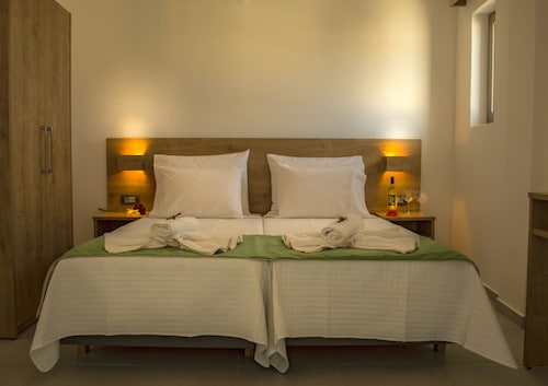__{offers.Best_flights}__ Castell hotel