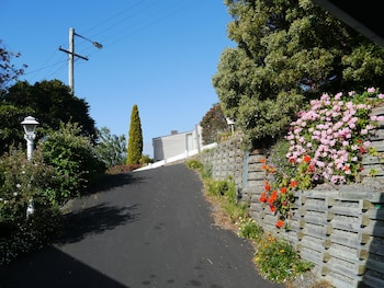 Long Beach House Apartments Sandy Bay - Property Grounds  - #0