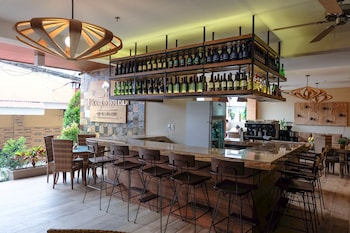 THE PICCOLO HOTEL OF BORACAY Bar