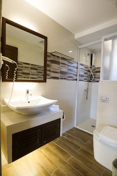 THE PICCOLO HOTEL OF BORACAY Bathroom
