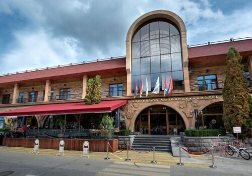 . Kecharis Hotel and Resort