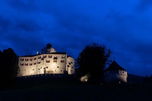 Schloss Friedberg, Innsbruck Land