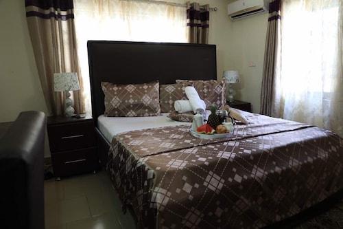 Perriman Guest House, Awutu Efutu Senya