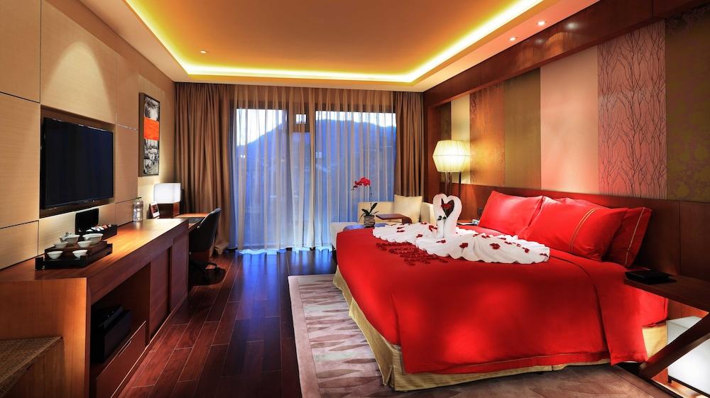 Hualuxe Kunming, Kunming