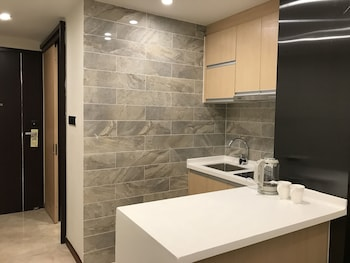 Shengang Executive Apartment Shenzhen - In-Room Kitchen  - #0