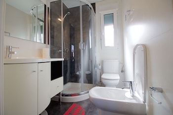 Nice house with heated pool and tennis course - Bathroom  - #0