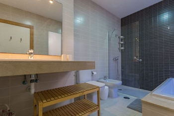Luxury villa with pool in golf course - Bathroom  - #0