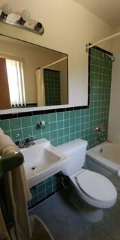 Martin's Inn - Bathroom  - #0