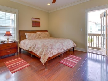 Navarre Beach Upscale Vacation Home