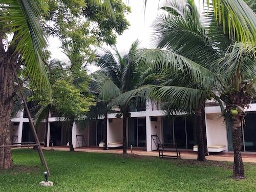 Vana Wellness Resort, Muang Nong Khai