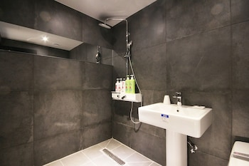 Hotel Yaja Busan Sasang - Bathroom  - #0