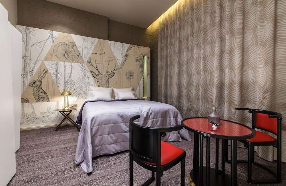 https://i.travelapi.com/hotels/18000000/17260000/17253400/17253305/86397cbb_z.jpg
