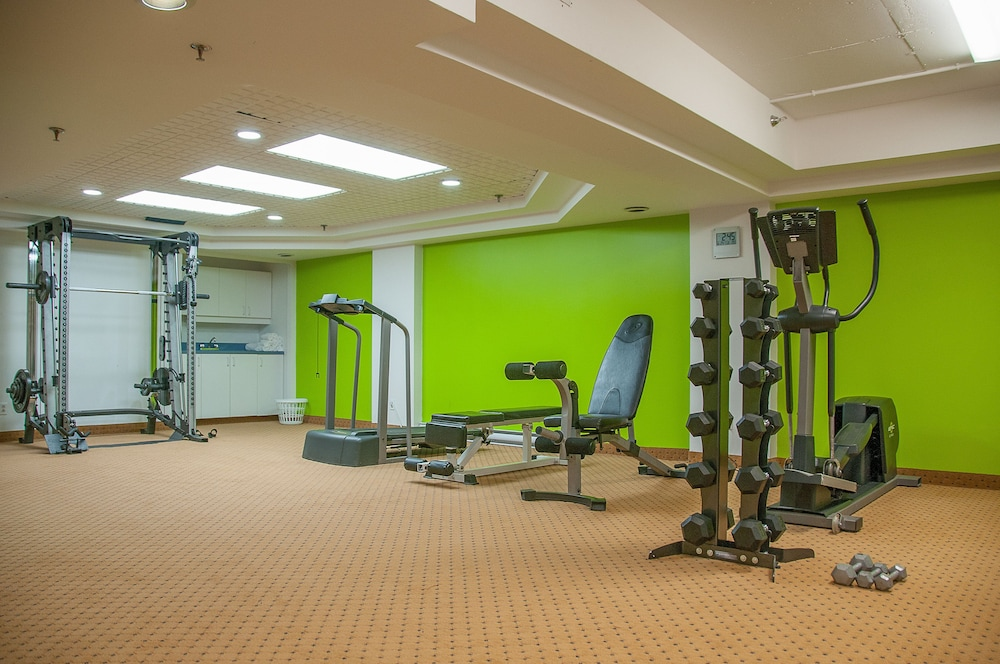 Health and Fitness : Fitness Facility 29 of 92