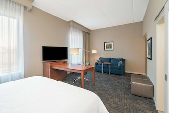Studio, 1 King Bed, Accessible (Hearing)