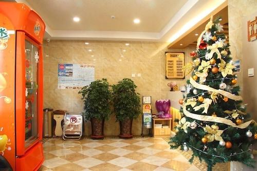 . CENTER OF CITY CREO HOTEL