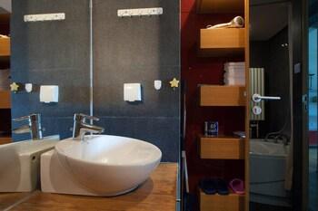 Yasmine Seasons Park Apartment Hotel - Bathroom  - #0